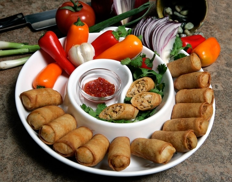 BUFFALO CHICKEN SPRING ROLLS