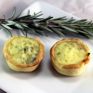 https://www.appetizersusa.com/uimages/images/quiches-tarts-pizzas/gruyere-and-summer-leek-tart.jpg