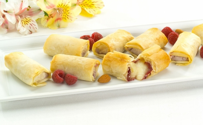 brie and raspberry phyllo rolls